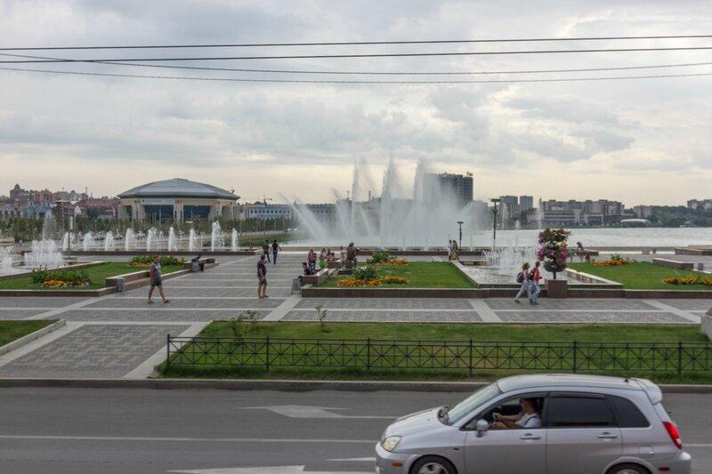 Фонтаны на площади перед театром Камала, Казань
