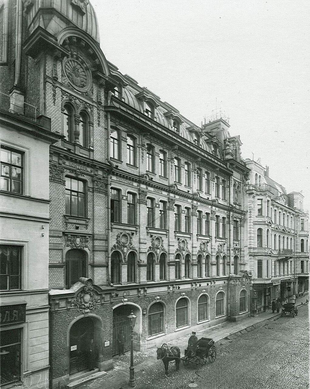 01. Фасад здания типографии газеты