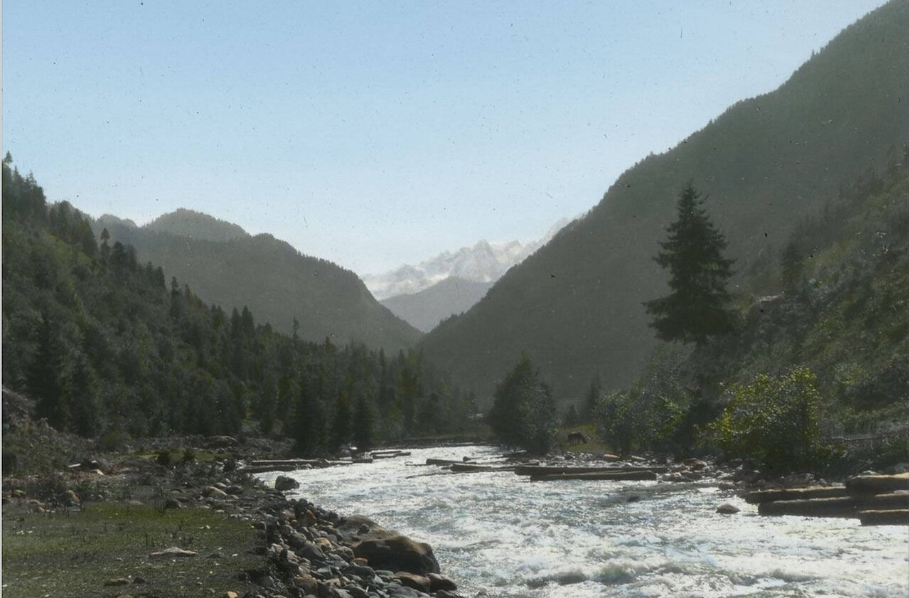 Река в Чуберской долине