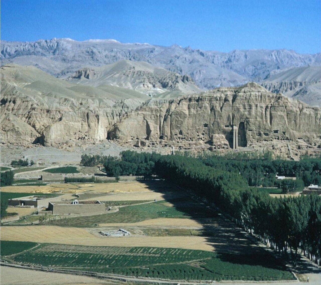 Скалы долины Бамиан