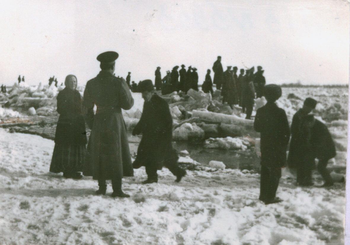 Скопление льда в устье р. Казанки
