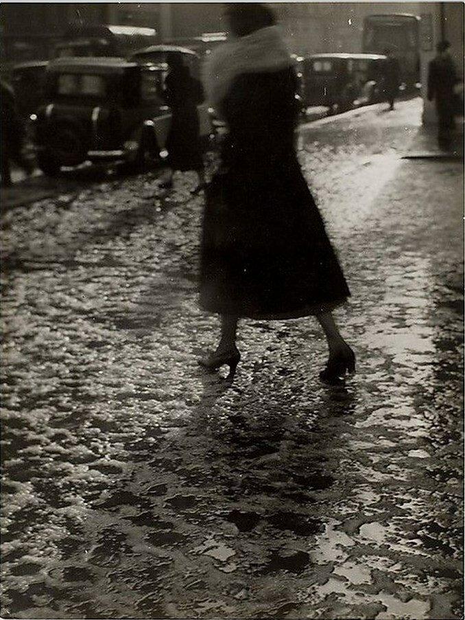 1931. Дождливый день на Елисейских Полях