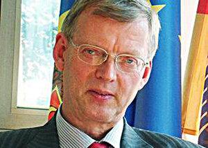 Майер: Молдавские политики должны прекратить спектакль