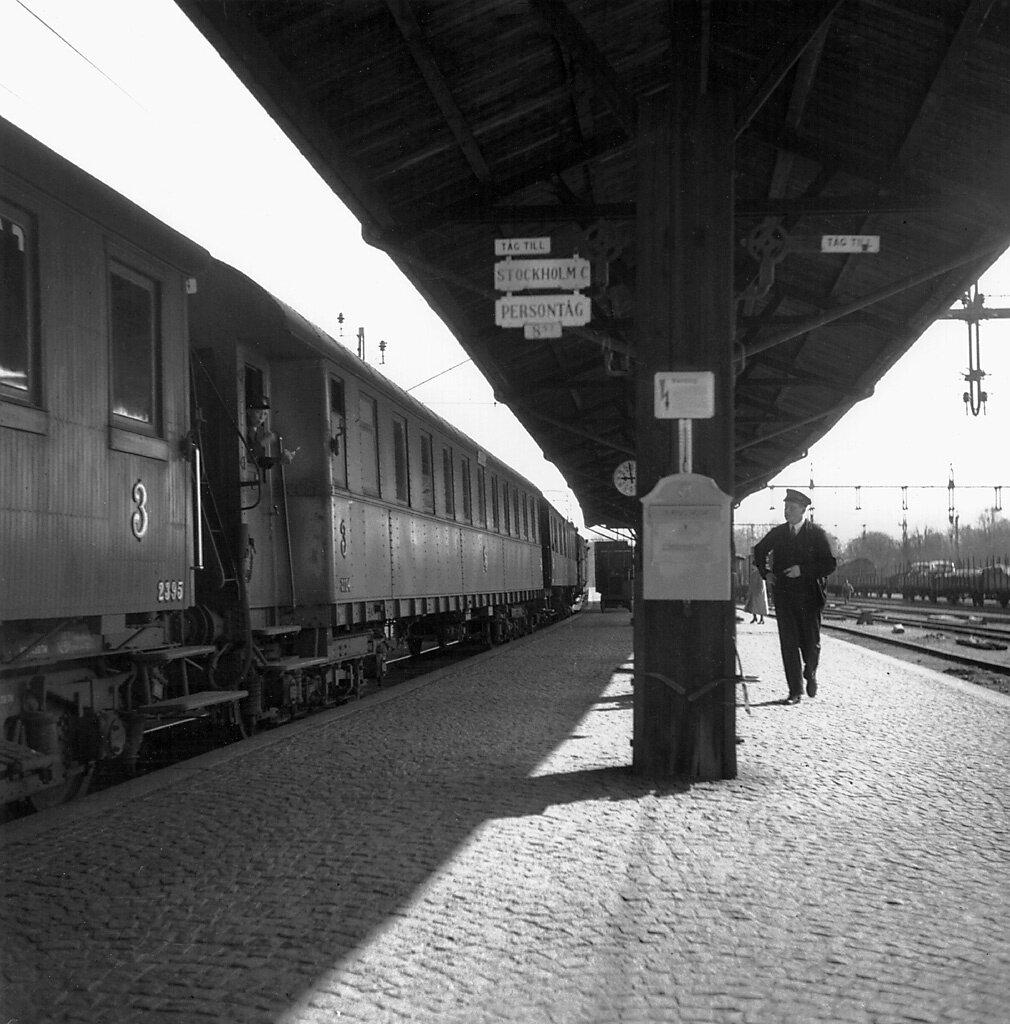 SšdermanlandJŠrnvŠgsstationen i NykšpingNeg  4215FOTO MŒrten Sjšbeck 1939