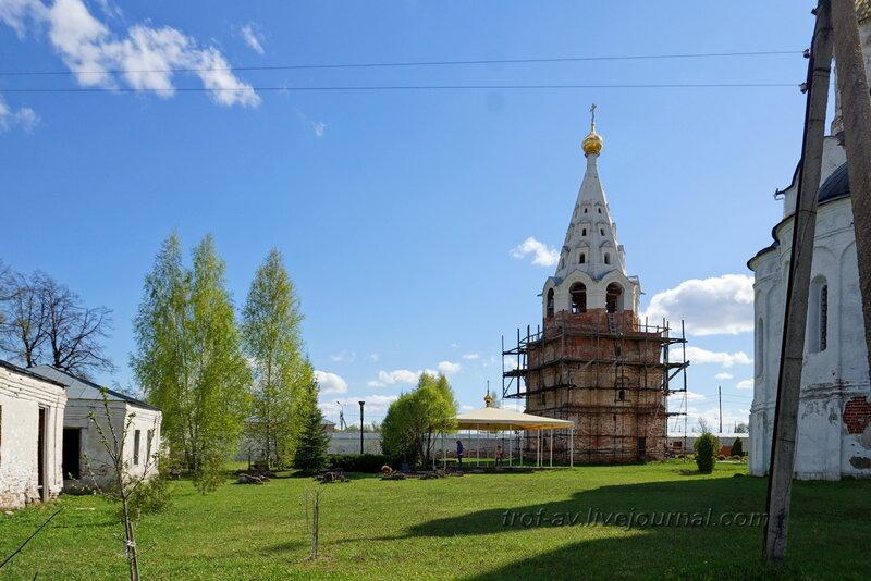 Некрополь, Можайский Лужецкий Ферапонтов мужской монастырь