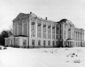 Фасад здания гербария Ботанического сада.