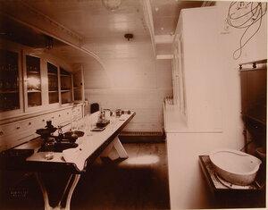 Вид помещения аптеки плавучего госпиталя Орёл.