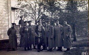 Представители французской миссии у командующего XII армией В. Н. Горбатовского (четвертый справа); второй справа - начальник штаба генерал-майор Беляев.