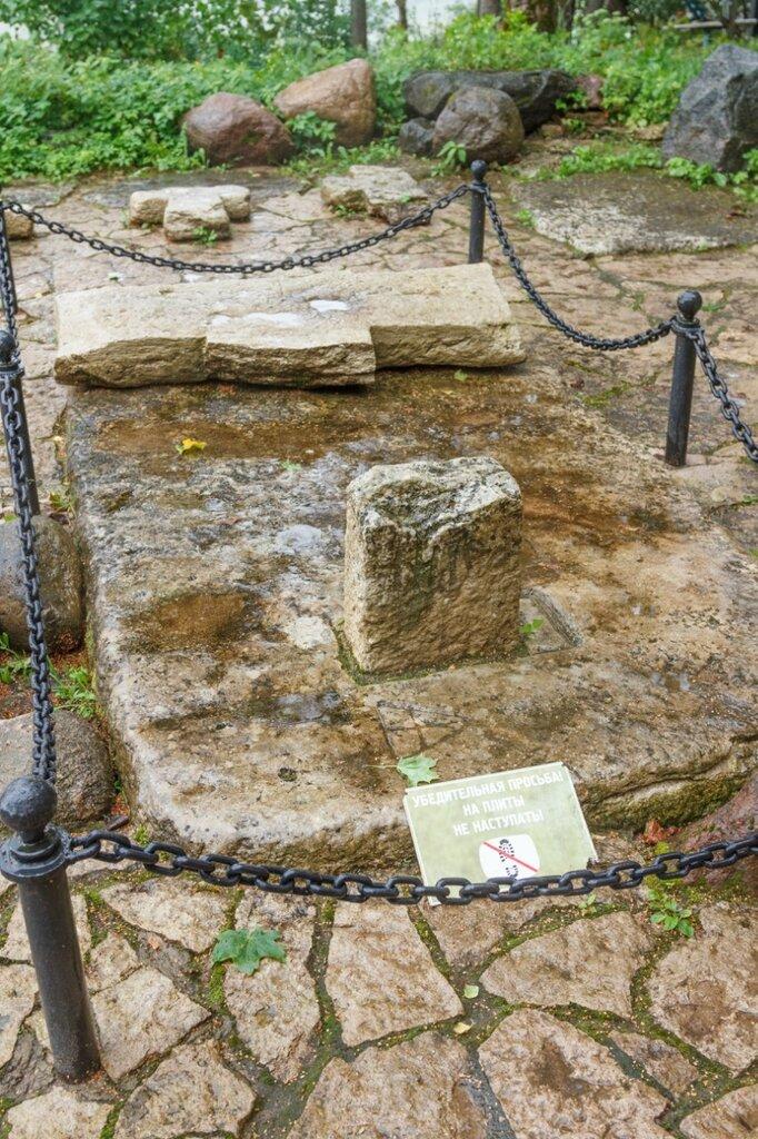 Остатки крестов, Труворов крест