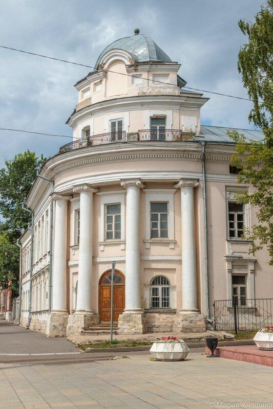 Здание Духовного училища (Дом Зубчаниновых), Тверь