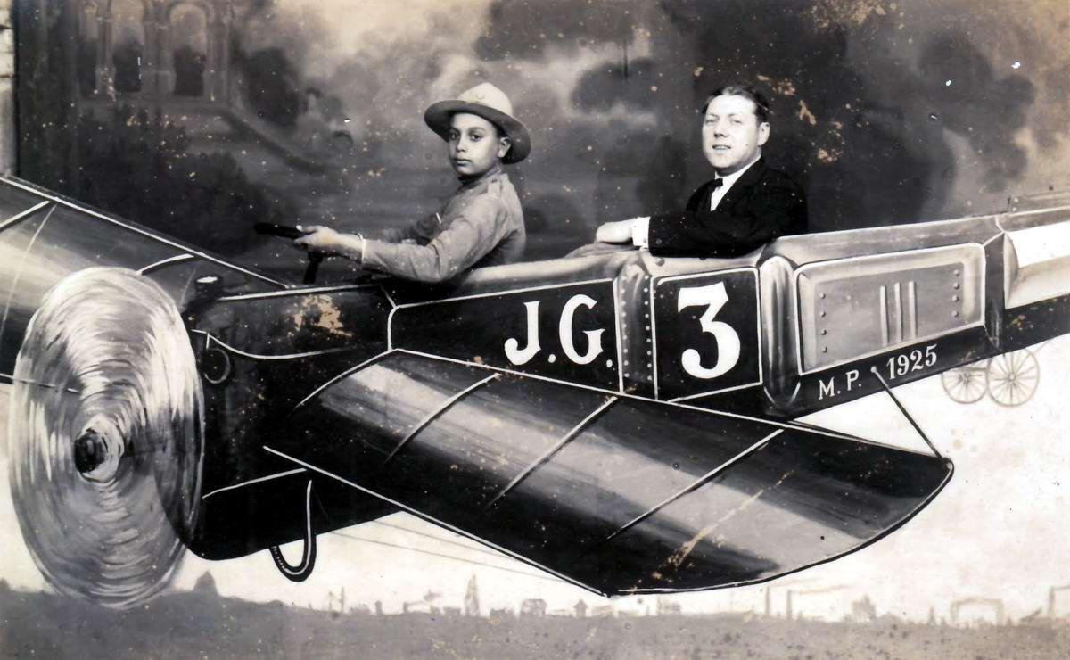 Художественные фоны для фотографий авиационной и воздухоплавательной тематики (29)