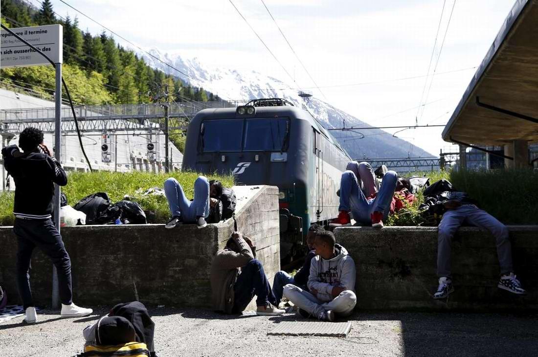 Ж/д вокзал итальянского Милана превратился в бомжатник: Миграционная политика ЕС (9)
