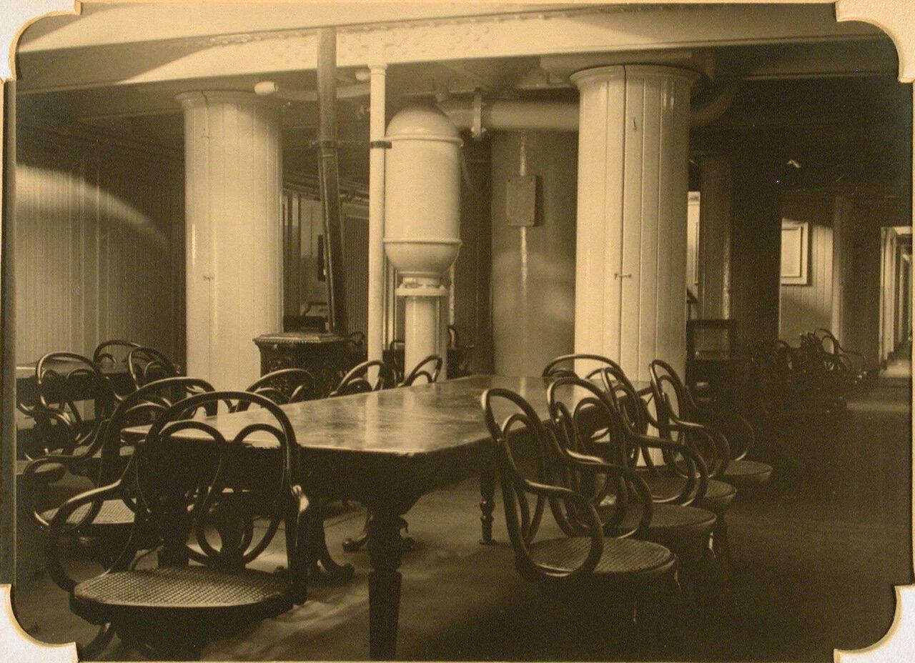 16. Внутренний вид столовой №2 госпиталя