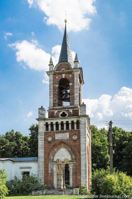 Колокольня Храма Преображения в селе Остров