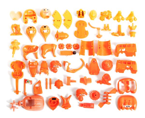 Kinder Surprise collection sorted, Aline Houdé-Diebolt0.jpg
