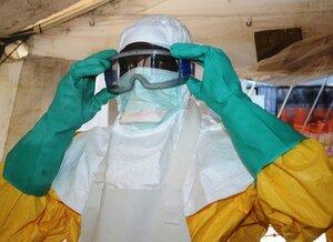 17 больных лихорадкой Эбола сбежали из больницы в Либерии