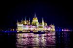 Здание венгерского парламента в Будапеште