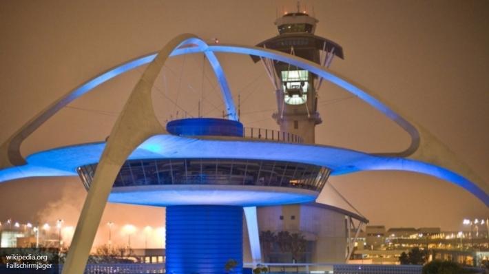 Ваэропорту Лос-Анджелеса объявили обугрозе взрыва