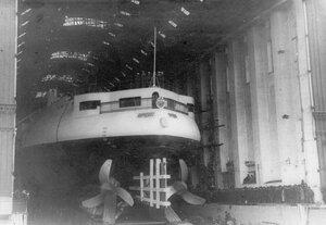Эскадренный броненосец Бородино перед спуском на воду.