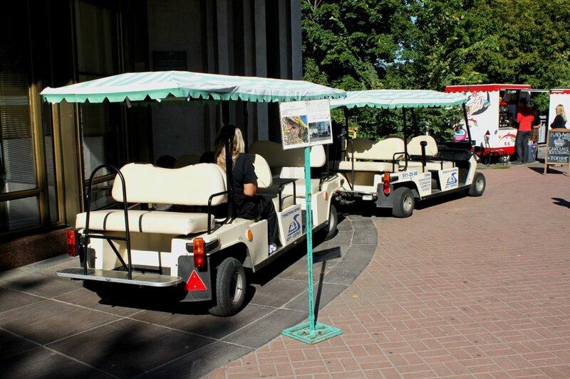 Экскурсионный автомобиль на Владимирской горке