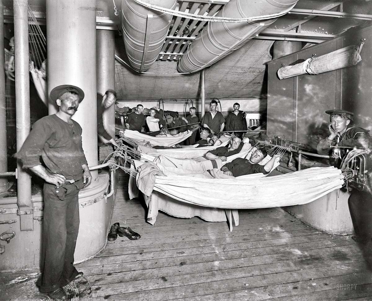 Корабли, речные суда и военные моряки на снимках американских фотографов конца 19 века (27)