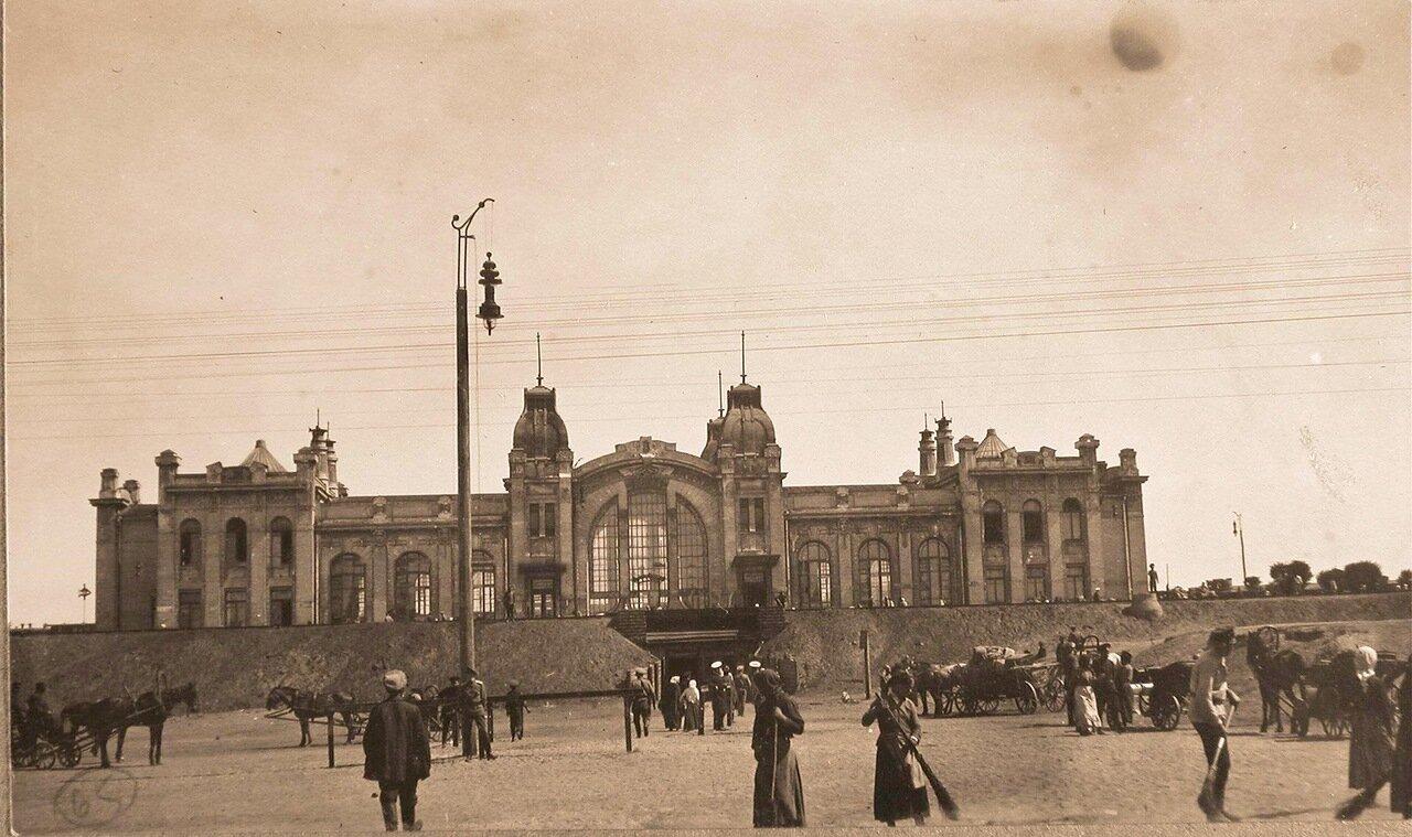 23. Вид здания городского вокзала