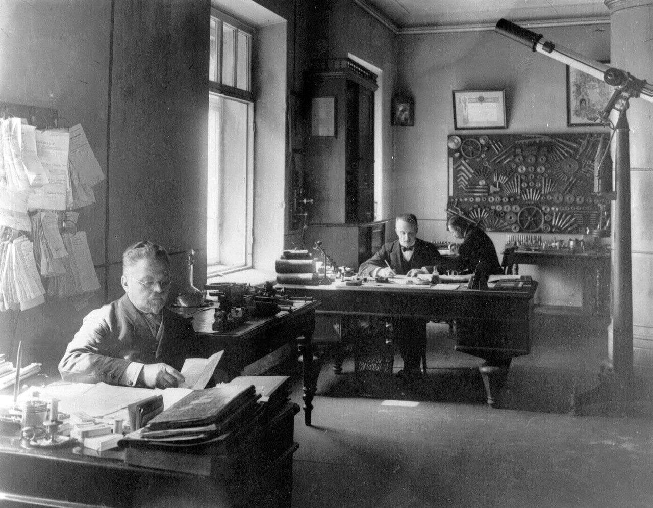 Механический завод Г.М.Пек (Церковная ул, д.17а). 22 июня 1912. 01. Контора завода