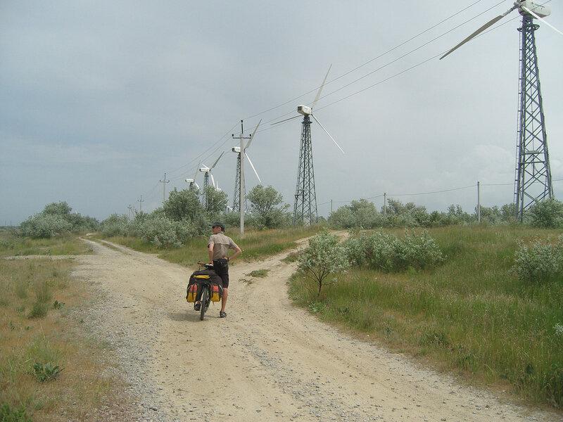 ветряки у Акташского озера. Не крутились
