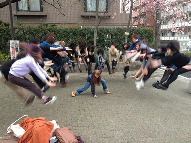 Новый интернет мем   энергетическая атака японских школьниц