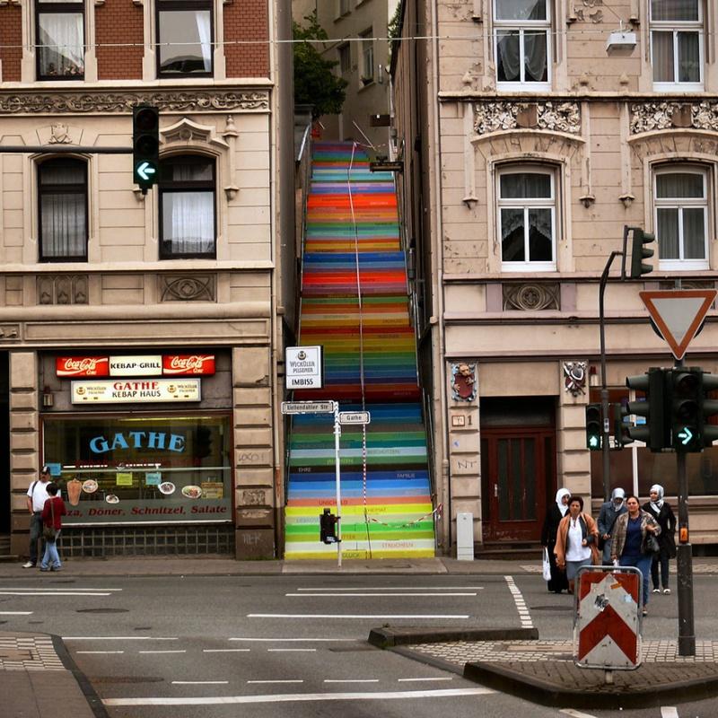 Obvorozhitelnye-lestnicy-sovsego-mira-18-foto