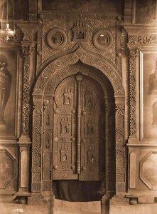 Вид на царские врата в Лагозовицкой церкви. Псков г., близ Пскова