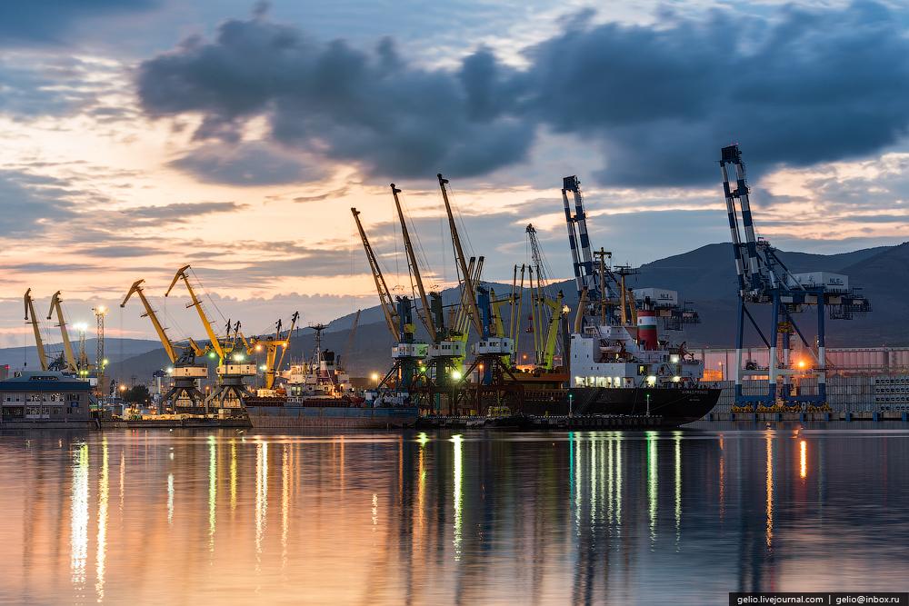 В морских портах пройдут проверки после разлива нефти под Новороссийском