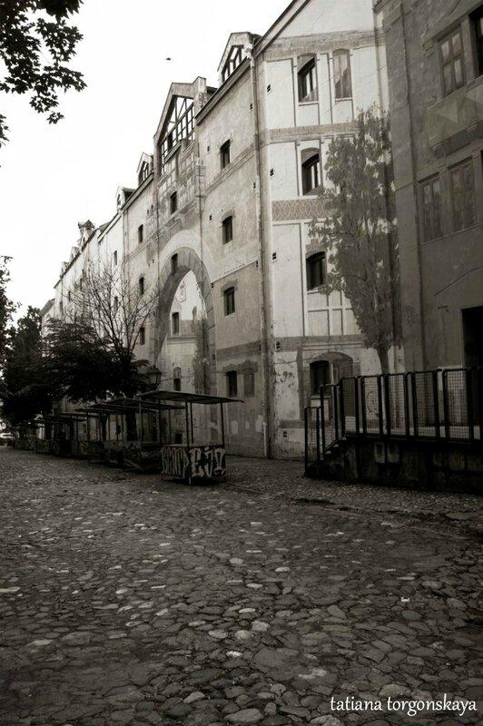 Фасады домов Скадарской улицы