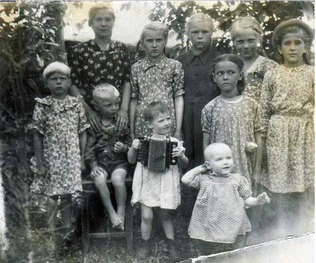 Сельские дети