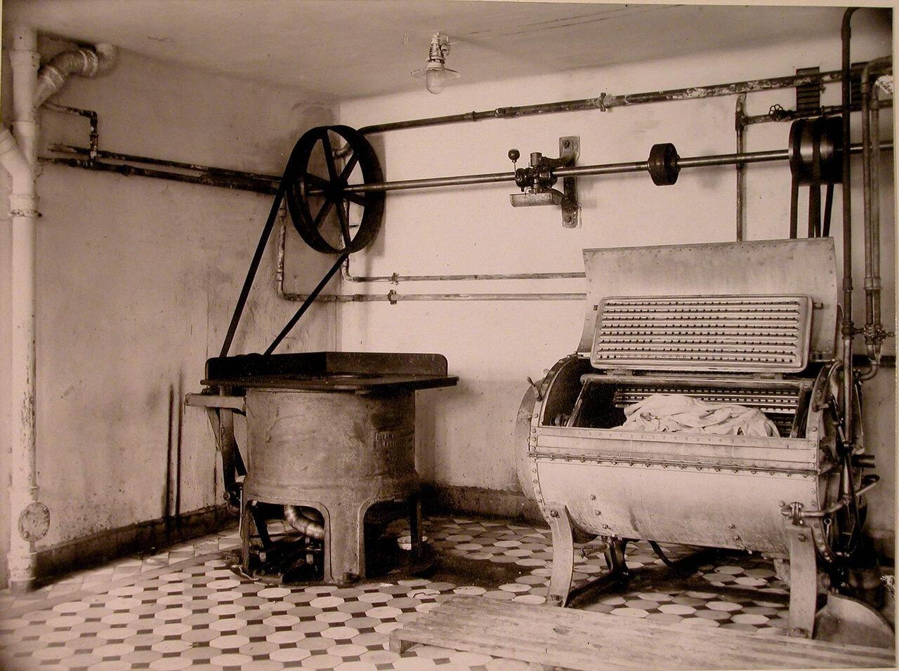 23. Вид части помещения прачечной в доме призрения для увечных воинов