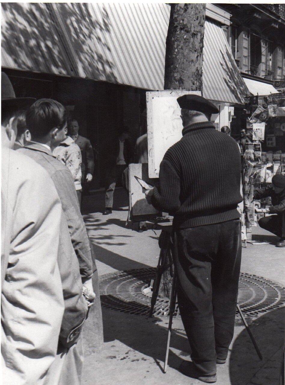 Художник на парижских тротуарах