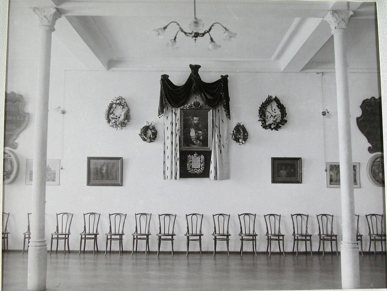 12. Актовый зал училища