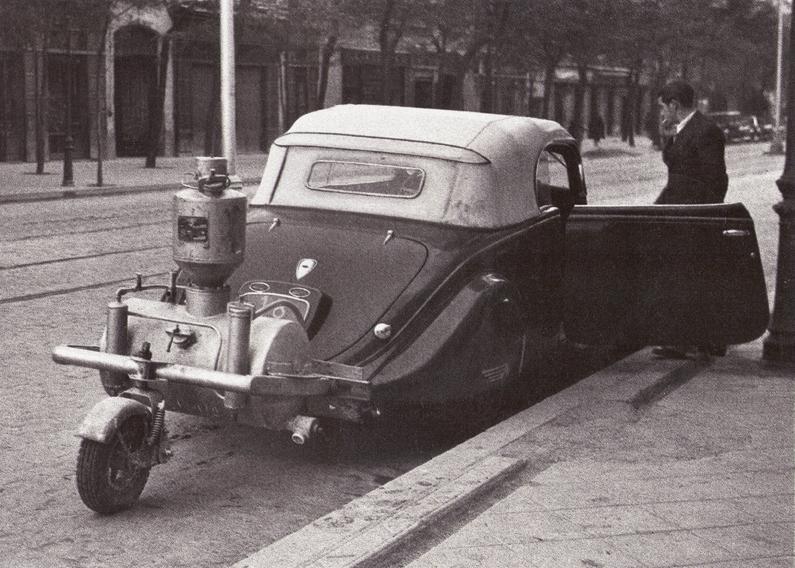 28 octubre 1941 Газогенераторный автомобиль в Мадриде.jpg
