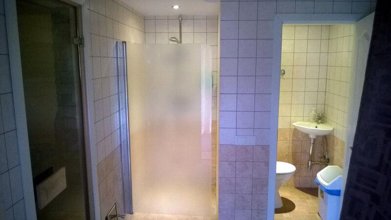 Гостевой дом на 2 места. Душ и туалет