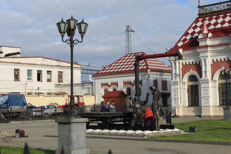 Возле Железнодорожного музея.