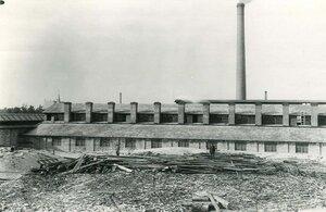 Вид здания завода.