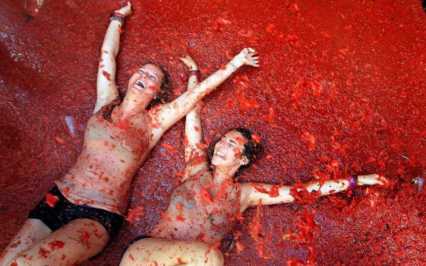 Томатина: 70-ый бой томатами
