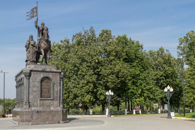 Памятник князю Владимиру и святителю Федору, Владимир