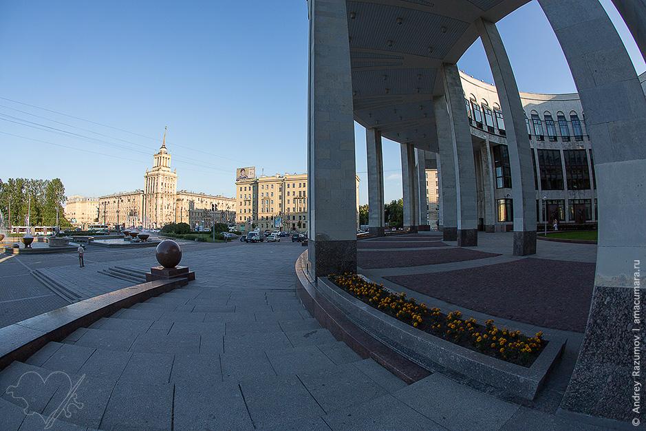 Национальная библиотека на Парке Победы