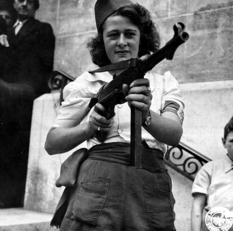 Девушка-боец из Фрацузского сопротивления (1944 год)