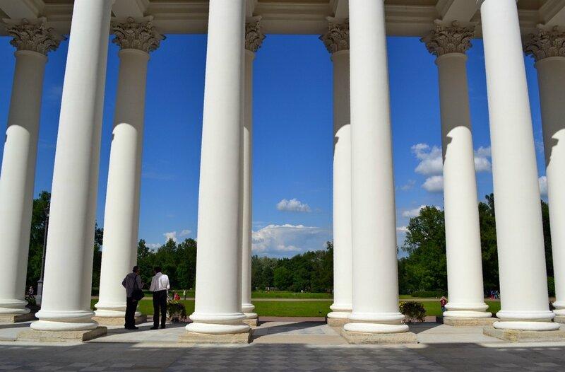 Колонны Александровского дворца