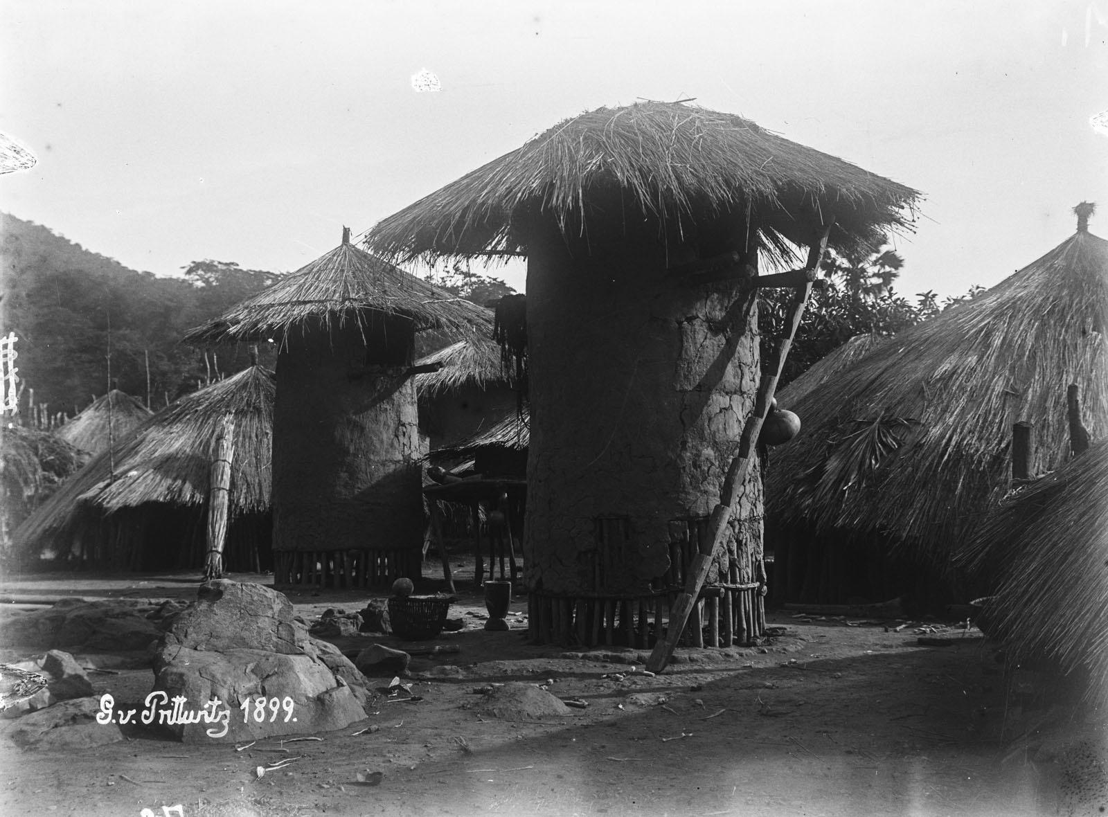 11. 1899. Озеро Танганьика. Деревенские хижины