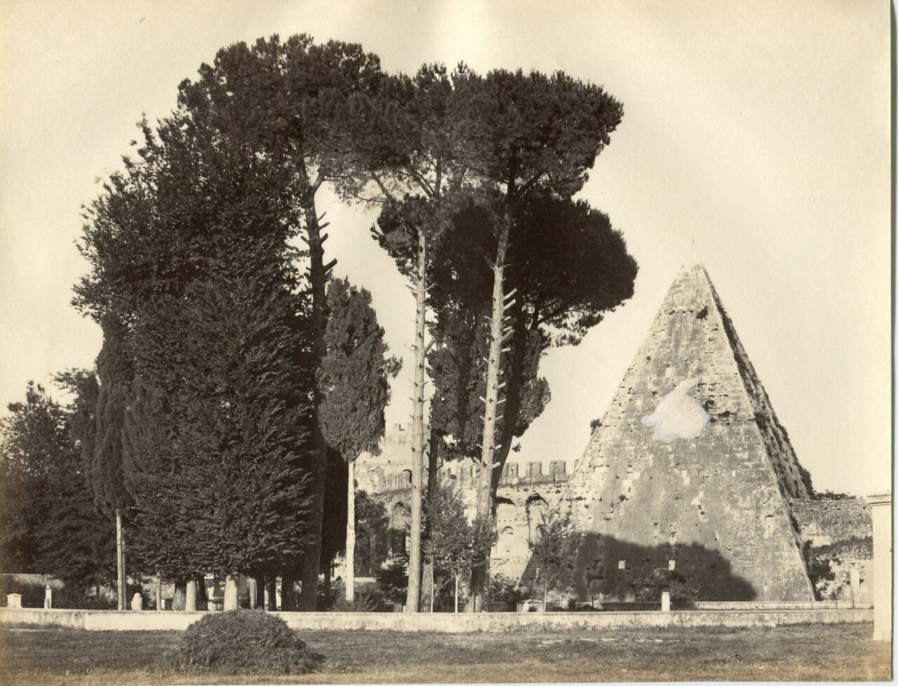 Пирамида Гая Цестия. 1870