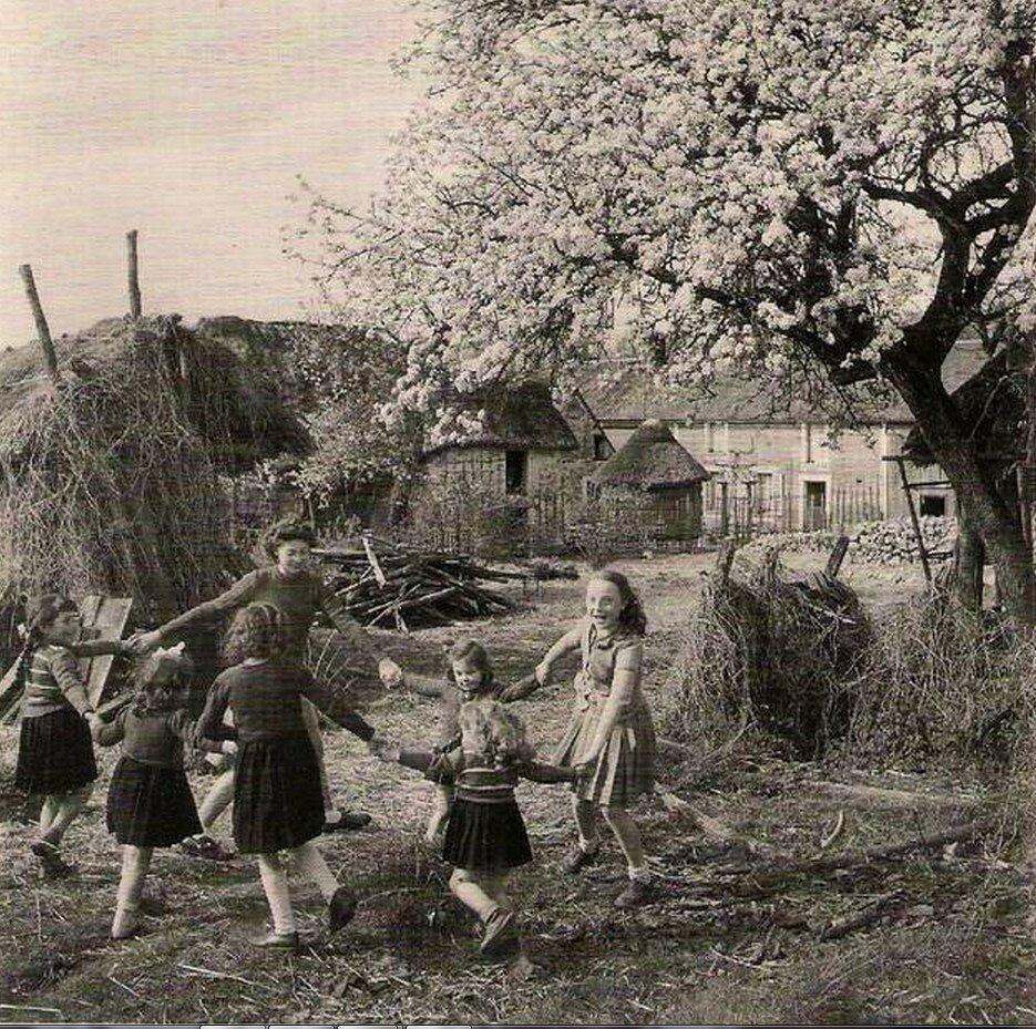 1950. Хоровод