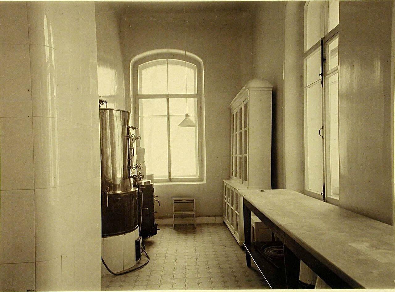 11. Стерилизационная комната в больнице общины